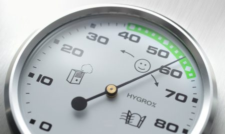 Hygrometer for measuring humidity